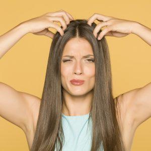 Les cheveux gras? Régime alimentaire pour contrer le problème